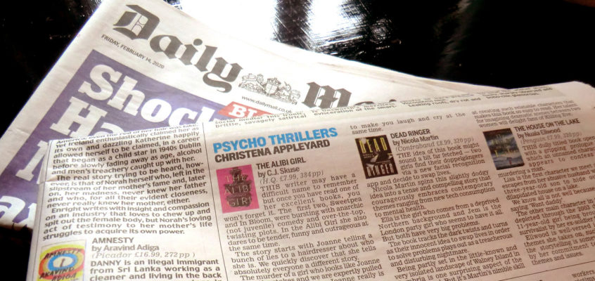 Dead Ringer reviewed in the Daily Mail